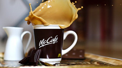 chocolate splash (Moritz Schulze) Tags: food coffee 50mm dof pentax bokeh chocolate kaffee mcdonalds 17 kx mccaf cookiesplash