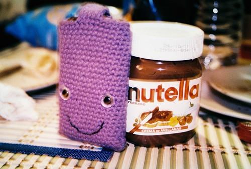 Funda lila de Sara y Nutella
