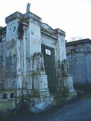 Buchanan Sisters' Mausoleum