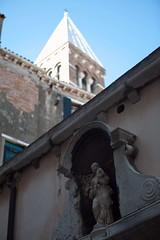 Venise : San Polo (hubertguyon) Tags: venice church statue europa europe enfant venise venezia église italie ville vierge sanpolo glise žglise