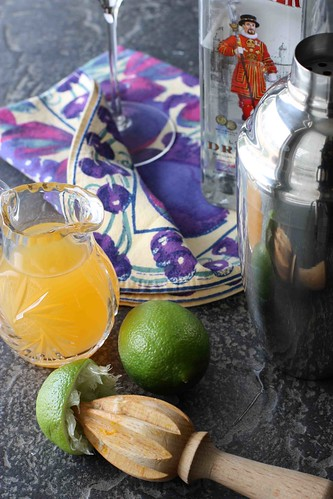 Passionfruit & Lime Gin Martini Recipe | cookincanuck.com