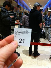 I'm #21 in the iPad 2 line-up at Yorkdale Mall