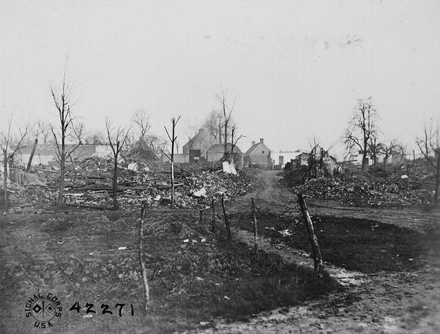21.0 1918 Heuvel Ruins
