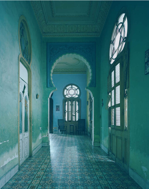 Michael Eastman, Blue Arch, Havana