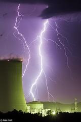 Ambiance lectrique sur Civaux (Prsage des Vents) Tags: civaux centrale nuclaire foudre clair lightning orage storm nuclear alex vienne