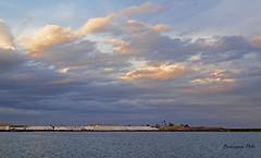 Atardecer en las salinas (Fotgrafo-robby25) Tags: atardecerenelmarmenor fujifilmxt1 lopagnmurcia marmenor nubes salinasyarenalesdesanpedrodelpinatar