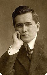 rimless hoopspring pince-nez c 1905 USA portrait (pince_nez2008) Tags: portrait glasses eyeglasses 1905 eyeglass rimless pincenez noseclip pinchnose hoopspring