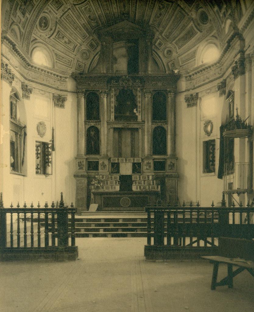 Altar Mayor del Convento de las Concepcionistas destruido en la Guerra Civil. Fotografía de Pelayo Mas Castañeda. Causa de los mártires de la persecución religiosa en Toledo