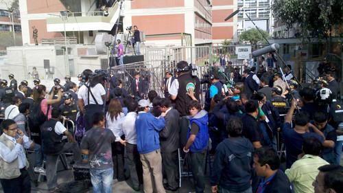 Prensa espera llegada de candidato Ollanta