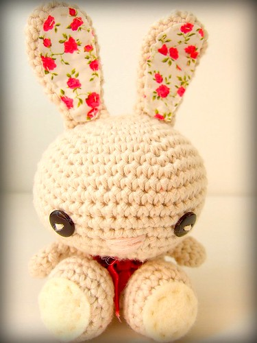 Crochet bunny by tinywhitedaisies