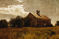 Kansas Farm 2 (BlackburnPhoto) Tags: old sky cloud grass barn rural farm country kansas blackburnphoto