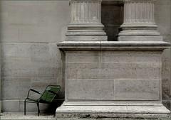 Jardin des Tuileries -  Paris (kate053 (peu prsente)) Tags: paris jardin chaises photographier lire observer regarder dtente rver franaisjardindestuileries sereposerparis