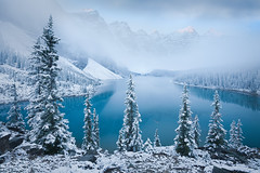 Patience - Moraine Lake (Luke Austin) Tags: winter snow canada fall britishcolumbia canadian alberta banff lakelouise banffnationalpark morainelake valleyofthetenpeaks wondersofnature lukeaustin