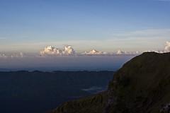 Cielo desde Mount Batur (martingarri) Tags: sky bali clouds sunrise indonesia volcano mount amanecer cielo batur balinese volcn balins nmubes landscapelovers