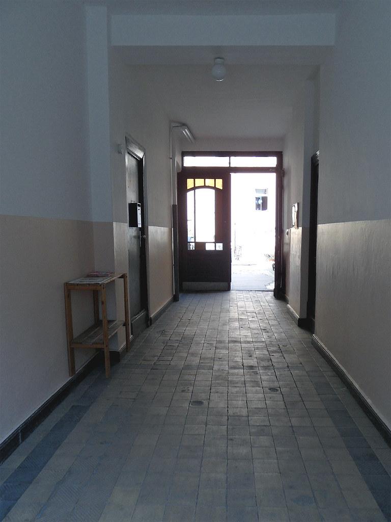 Durchgang Zum Hof (onnola) Tags: Door Building Berlin Court Kreuzberg  Germany Deutschland Hall