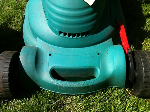 Hallo! I'm happy lawnmower! W00T!