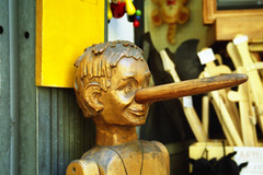 Pinocchio (Ludus Di marino) Tags: wood summer italy italia foto estate picture fantasy assisi umbria fable legno burattino