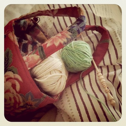 Knitting, reading, studying... things i want to do... Today decided to knit in the bed. by nnaoko