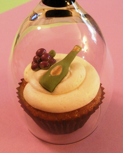 5744736599 89f2ce89bb Alcohol Themed Cupcakes with Beer, Wine, Champagne and Cocktail Ideas