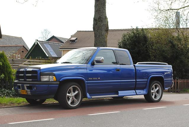 dodge 1997 ram 1500 v8