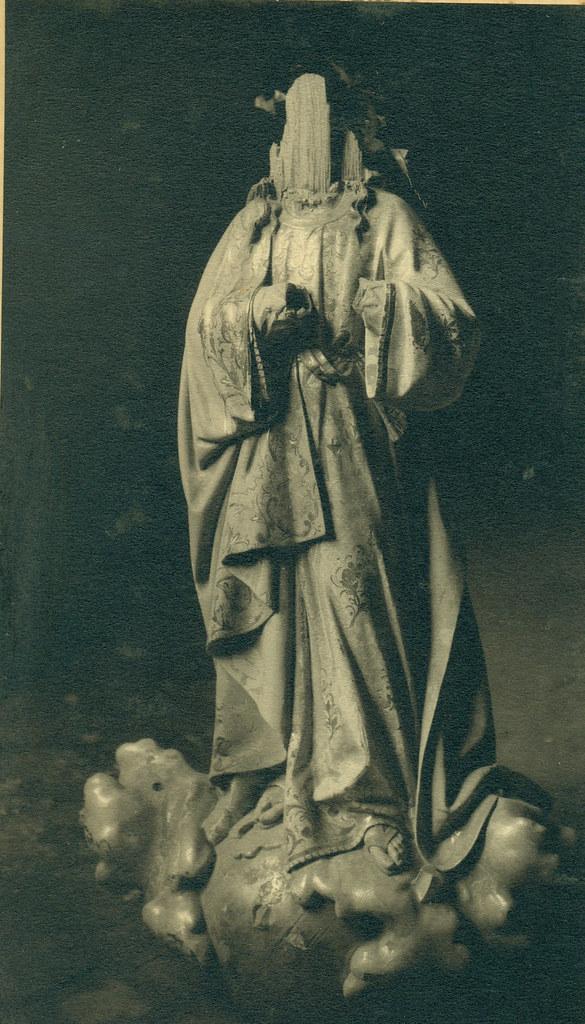 Esculturas religiosas destruidas en la Guerra Civil. Fotografía de Pelayo Mas Castañeda. Causa de los mártires de la persecución religiosa en Toledo