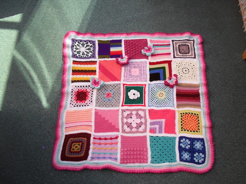 SIBOL 60! We've hit the Big 60! 'Jan Eaton 2'. Thanks to everyone who has contributed Squares for this Challenge. .....>  Blocks 26 - 50.