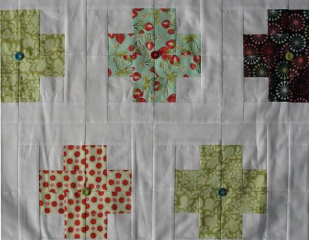 Modern Crosses Quilt for Bobbin's Nest, detail