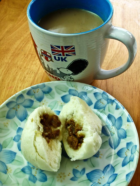 IMG_2029 Breakfast : Coffee and char siew pau .早餐:咖啡+ 叉烧包