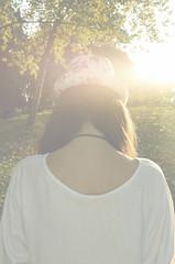 ' (As_yousaid) Tags: flores blanco luz photoshop hojas otoo sombrero sabado frio brillo tonos
