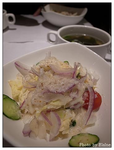 沙拉和海菜湯