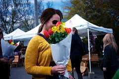 Fremont Sunday Market #2 (Araakii) Tags: seattle street leica flowers face sunglasses zeiss 35mm washington market sunday rangefinder fremont carl m9 biogon3528zm