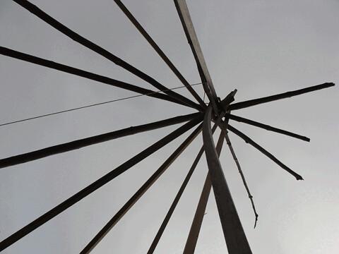 teepee-poles