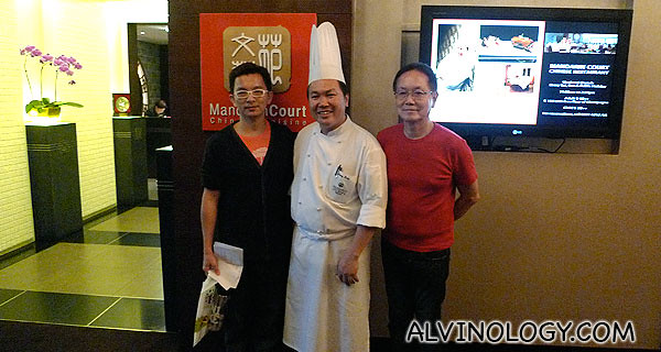 Food trail hosts, Xiao Peng and Ah Lun with the head chef at Mandarin Court