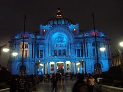 Bellas Artes en azul (PeZcador) Tags: mxico mexico arquitectura bellasartes ciudad mexique urbano anochecer urbanismo citynight poesa mxicodf chilangolandia