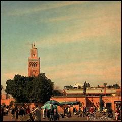 Marrakech (nuska2008) Tags: interesting gente marrakech marruecos select áfrica djemmaelfna patrimonioculturaldelahumanidad mezquitas lakoutoubia medinademarrakech lugardeinterés nuska2008 abcvisualized nanebotas efectotexturado yemáelfna