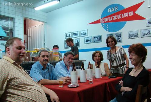 Mesa de amigos no Bar Cruzeiro - Foto: Laila Braghero
