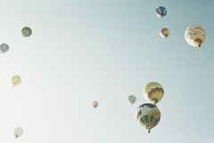 """*hot balloon (fangchun15) Tags: film japan zeiss nikon 400 nagano solaris saku 熱気球 fe2 佐久 balloon"""" """"hot 佐久バルーンフェスティバル2011"""