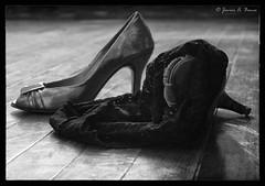 Testigos (Voroshin - ) Tags: bw art byn shoes erotic arte zapatos author autor ero voroshin