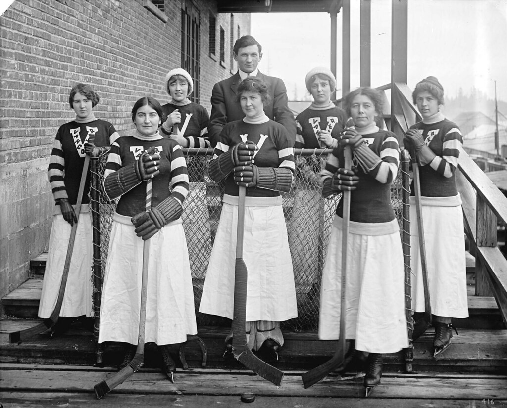 [Vancouver Ladies' hockey team]