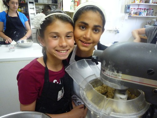 Bianca and Anu are in charge of oatmeal cookies
