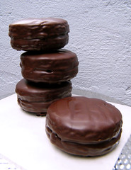Alfajores Marplatenses [Havanna-style] by katiemetz, on Flickr