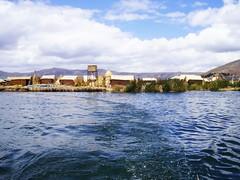 Ilhas de Uros - Peru (Célia Cerqueira) Tags: peru uros titicaca totora lago ilha puno flutuante
