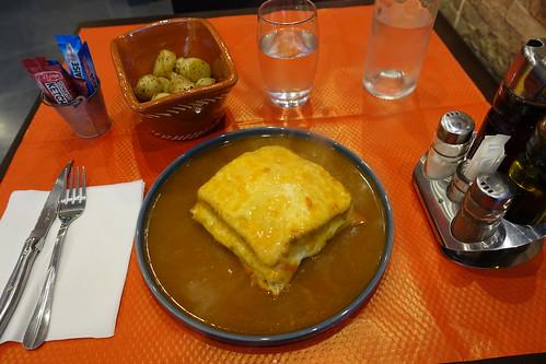 Francesinha sandwich @ Les Poulets du XV @ Paris