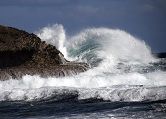 splash !! (louise peters) Tags: park coast ngc curacao rugged boka christoffel