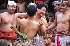 Mekare Kare (Rido Zaen) Tags: bali war kare karang pandan asem perang mekare makre