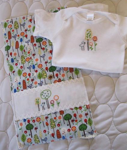 trees n'flowers onesie/burp cloth set