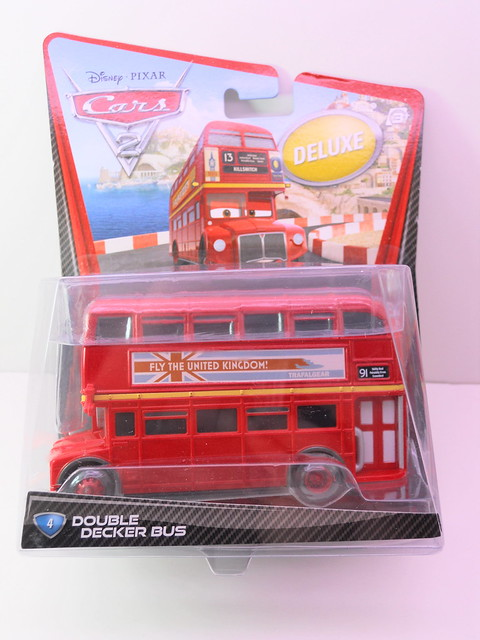 disney cars 2 deluxe double decker bus (1)