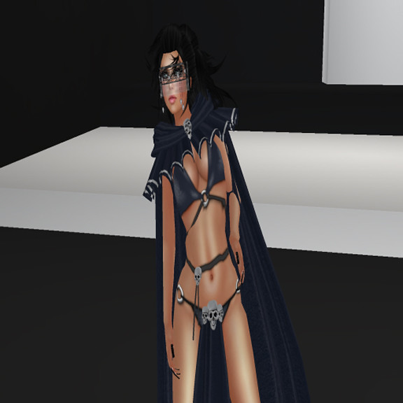 Huntress Xela Woodford
