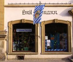 (:Linda:) Tags: two shop germany bavaria town flag franconia shopwindow twowindows flagholder badknigshofen grabfeld zweifenster