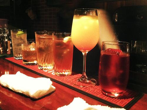 色とりどりの飲み物